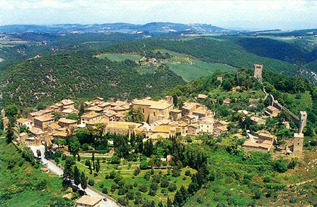 ... - In Tuscany, near Siena in the hearth of Val d'Orcia (Orcia Tal Siena